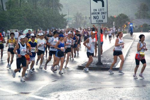 More than 20,000 participate in the Honolulu Marathon