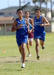 Rocky Balala, Maui, leads pack